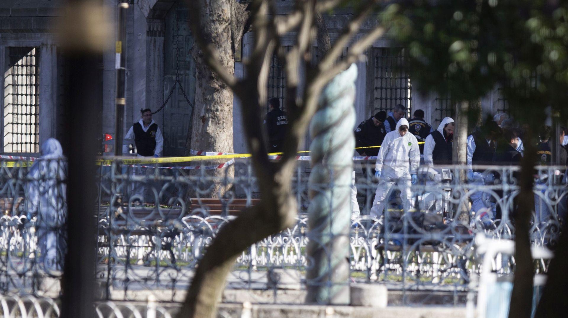 VIDEO: VELIKA EKSPLOZIJA U CENTRU ISTANBULA Najmanje 10 mrtvih, bombaš samoubojica podrijetlom iz Sirije