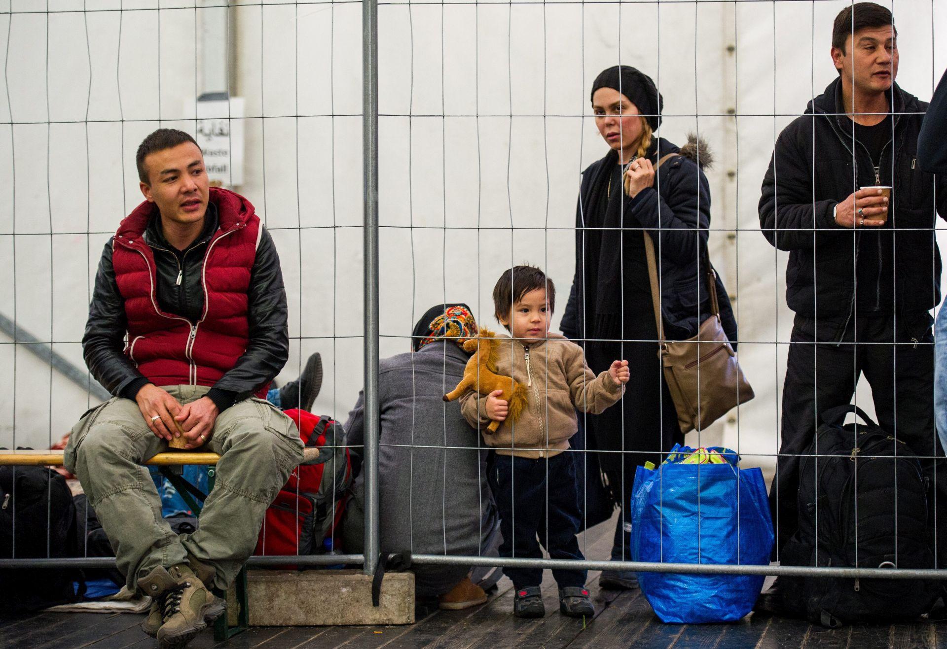 POLICIJA Slovenija prvi put uspjela dobrovoljno vratiti manju skupinu migranata