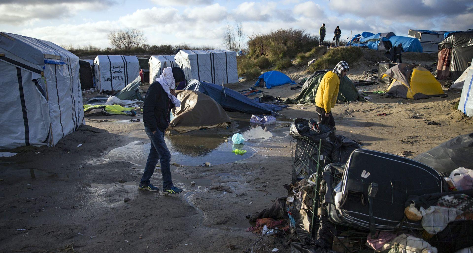 Izvanredna dozvola četvorici izbjeglica iz Calaisa za dolazak u Britaniju