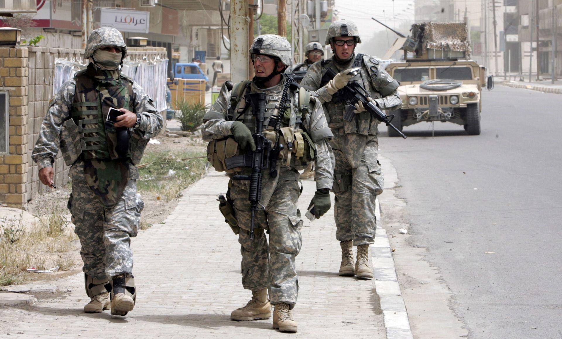 Amerikance u Bagdadu otela šijitska milicija