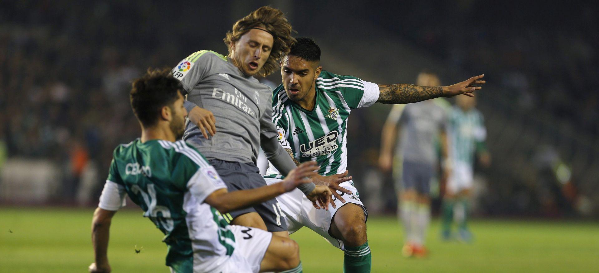 VIDEO: KIKS 'KRALJEVA' Real Madrid remizirao s Betisom