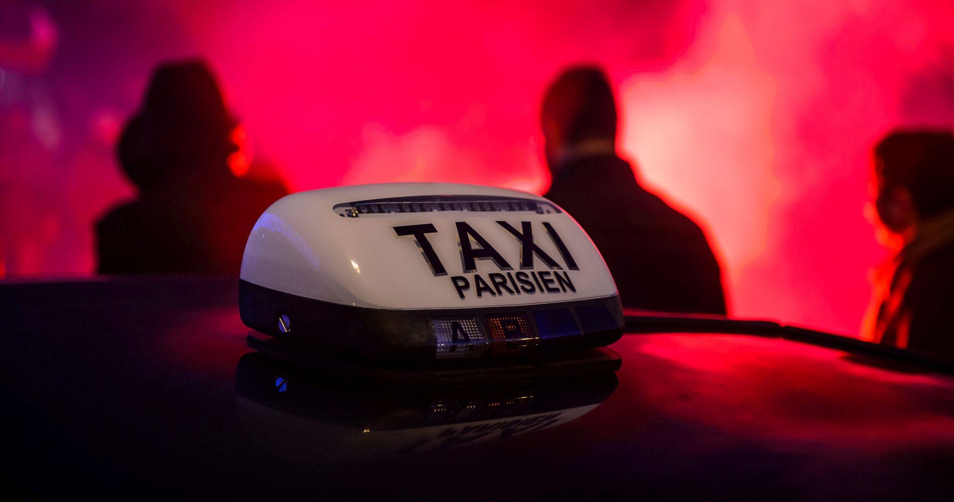 Uber mora platiti francuskim taksistima 1,2 milijuna eura