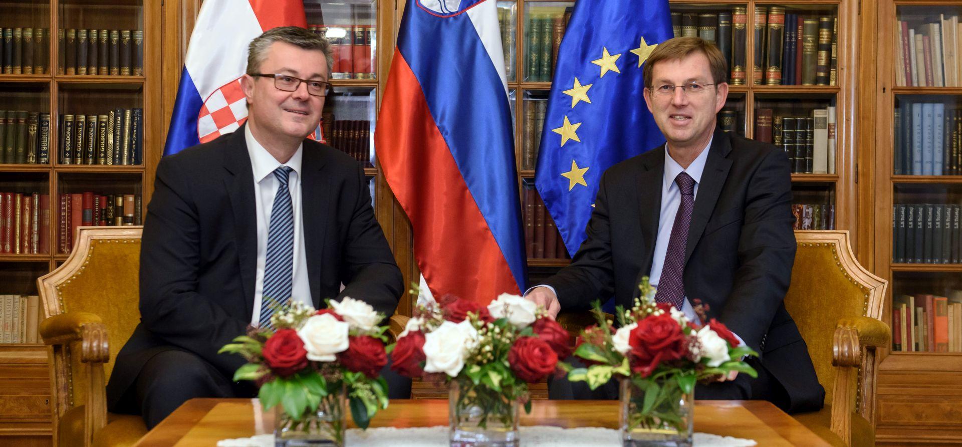 Prvi sastanak Oreškovića i Cerara u Ljubljani: Pozvali na bolju suradnju u izbjegličkoj krizi
