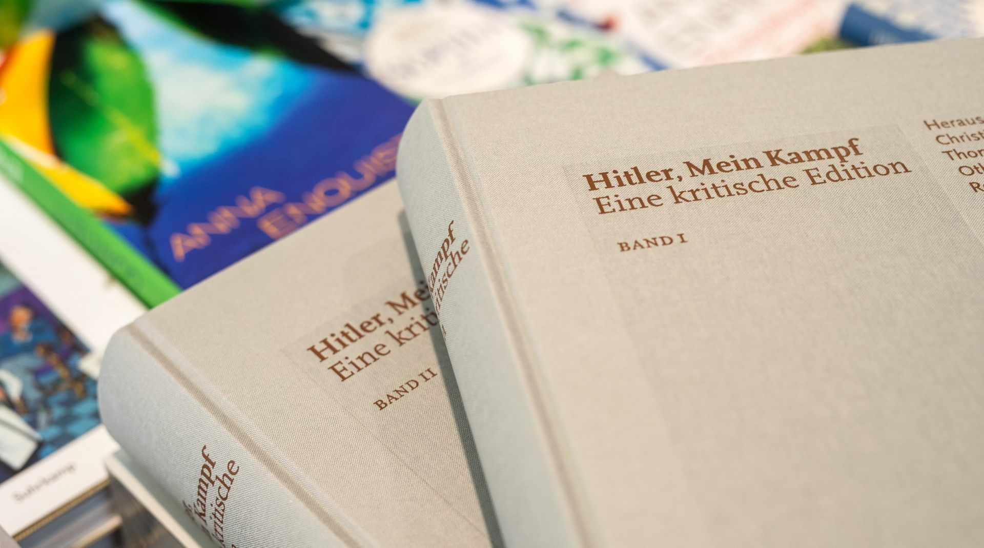 Njemački službenik otpušten jer je na poslu čitao Mein Kampf