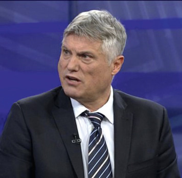 Neformalni Vučićev glasnogovornik Miroslav Lazanski. FOTO: Screenshot HRT