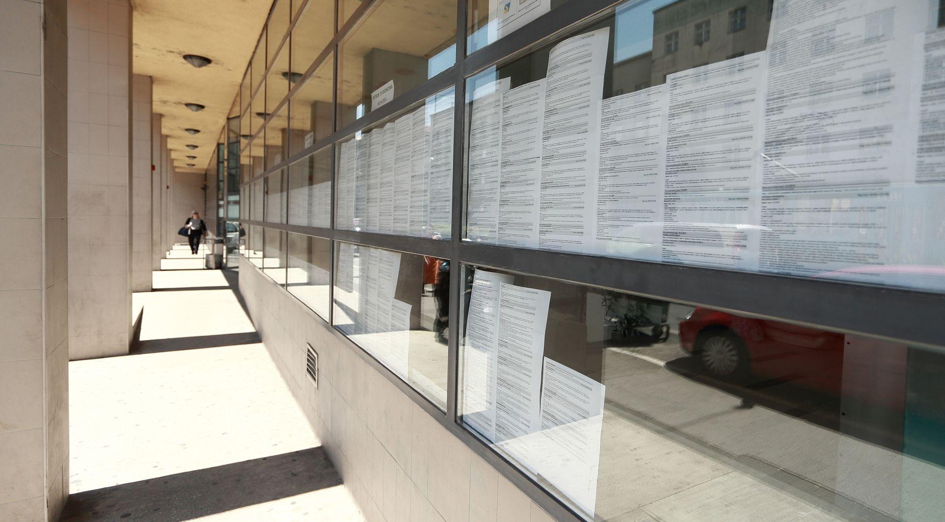HRVATSKI ZAVOD ZA ZAPOŠLJAVANJE Krajem prošle godine 285.468 nezaposlenih