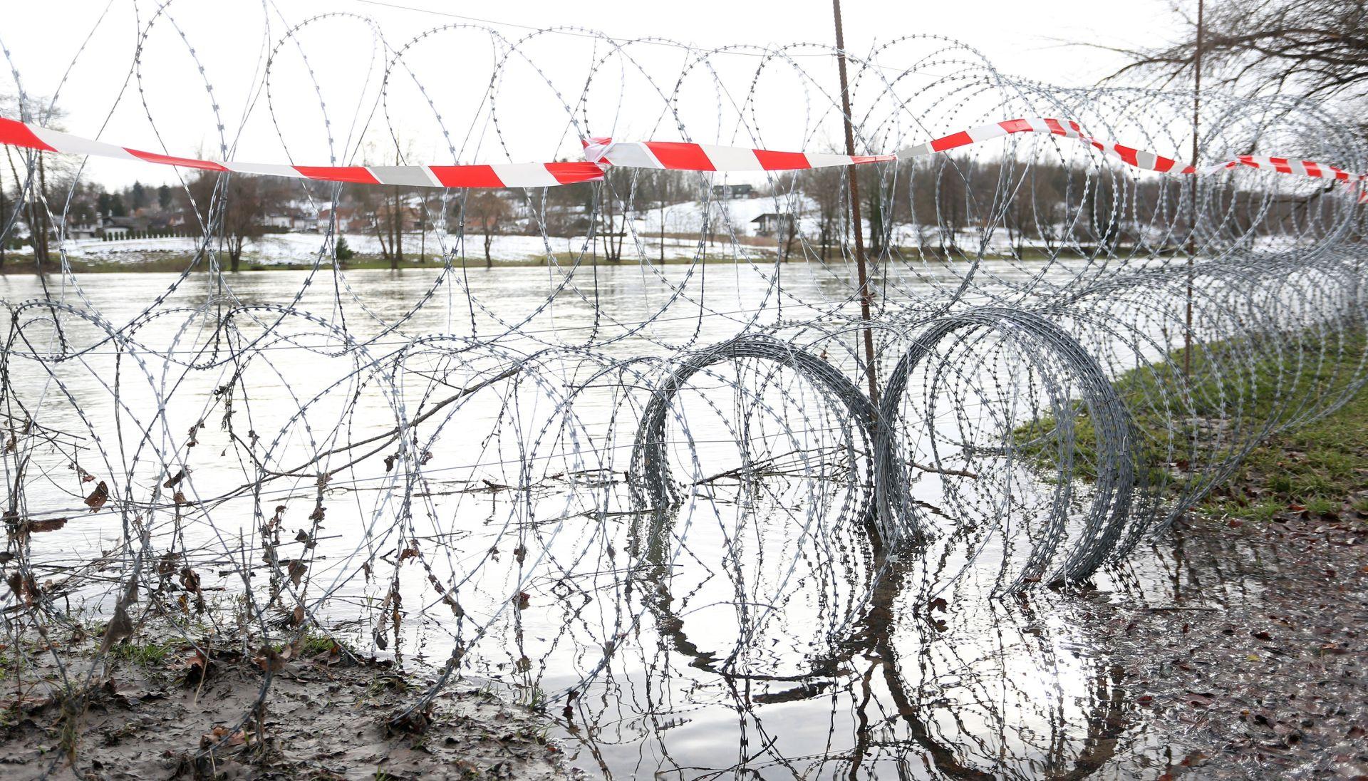 Slovenija kaže da žica na Kupi ostaje, uklanja se samo privremeno zbog rasta vodostaja