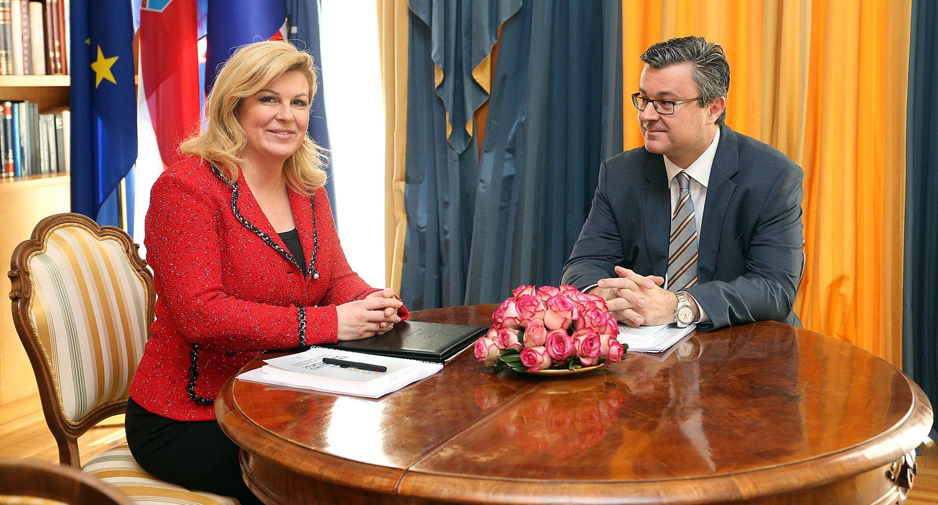 Grabar Kitarović Oreškoviću produžila za 30 dana rok za sastavljanje te predstavljanje Vlade