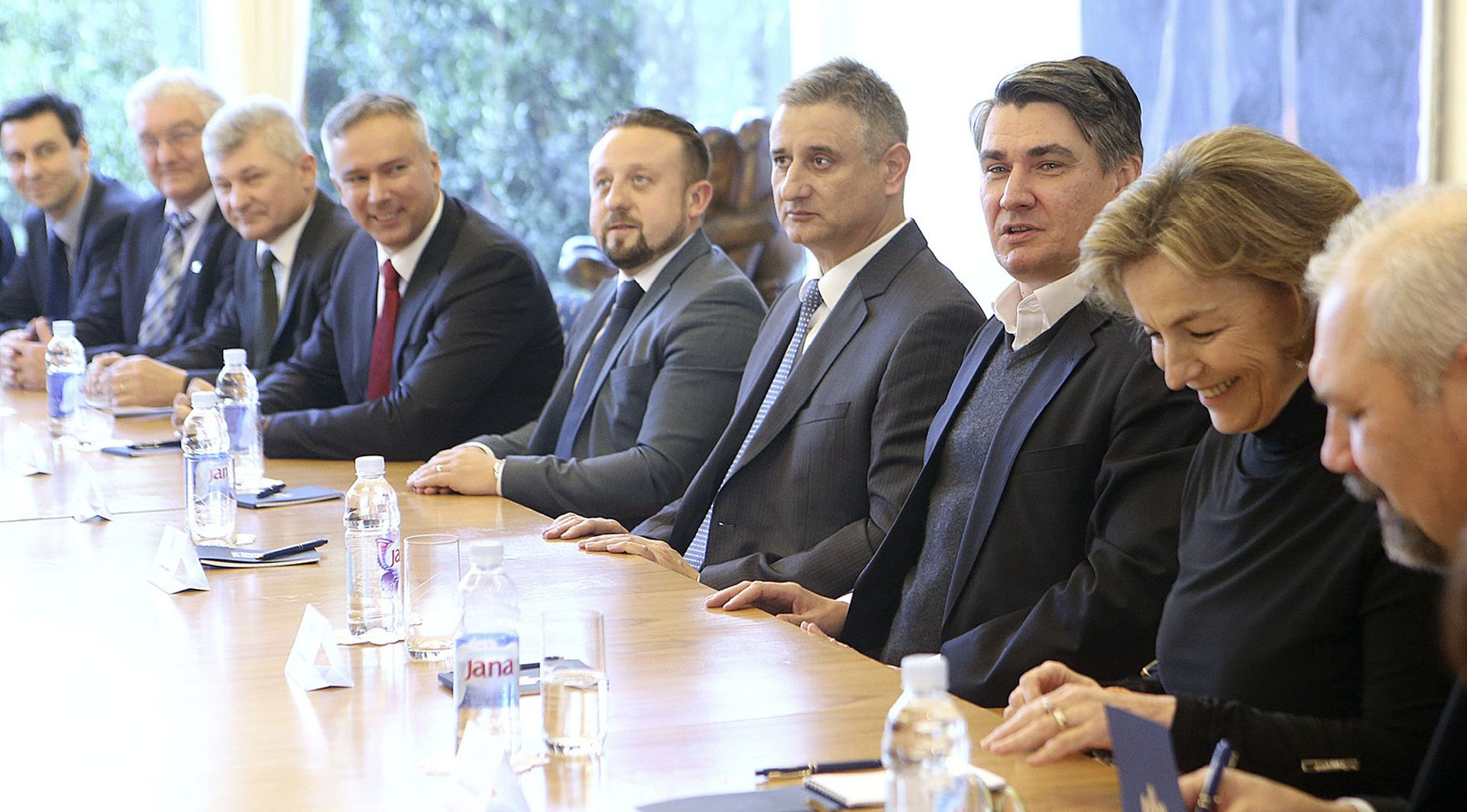 Karamarko otvoren za suradnju s HNS-om da učvrsti vladu i oslabi Milanovića