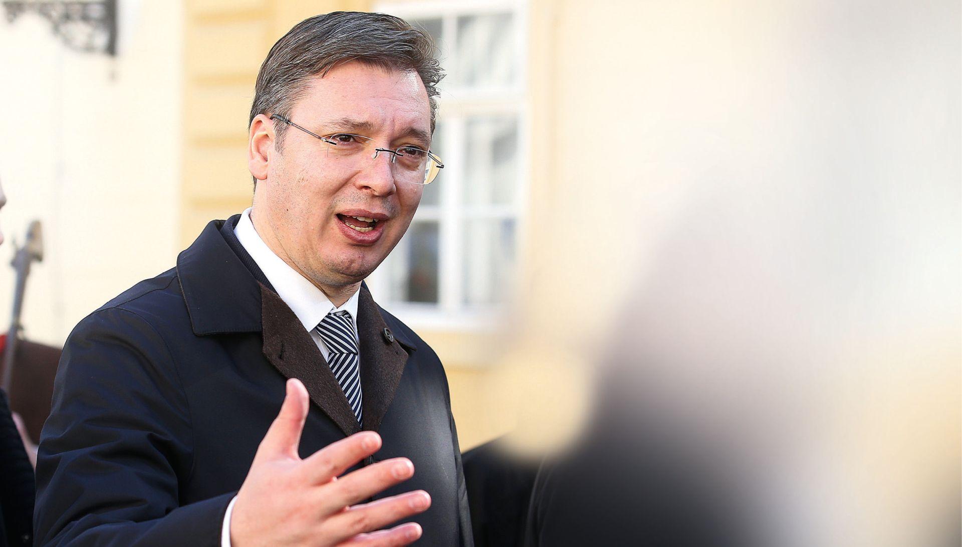Osim oružja, Vučić Srbima obećao više autocesta od Hrvatske i luku na Jadranu