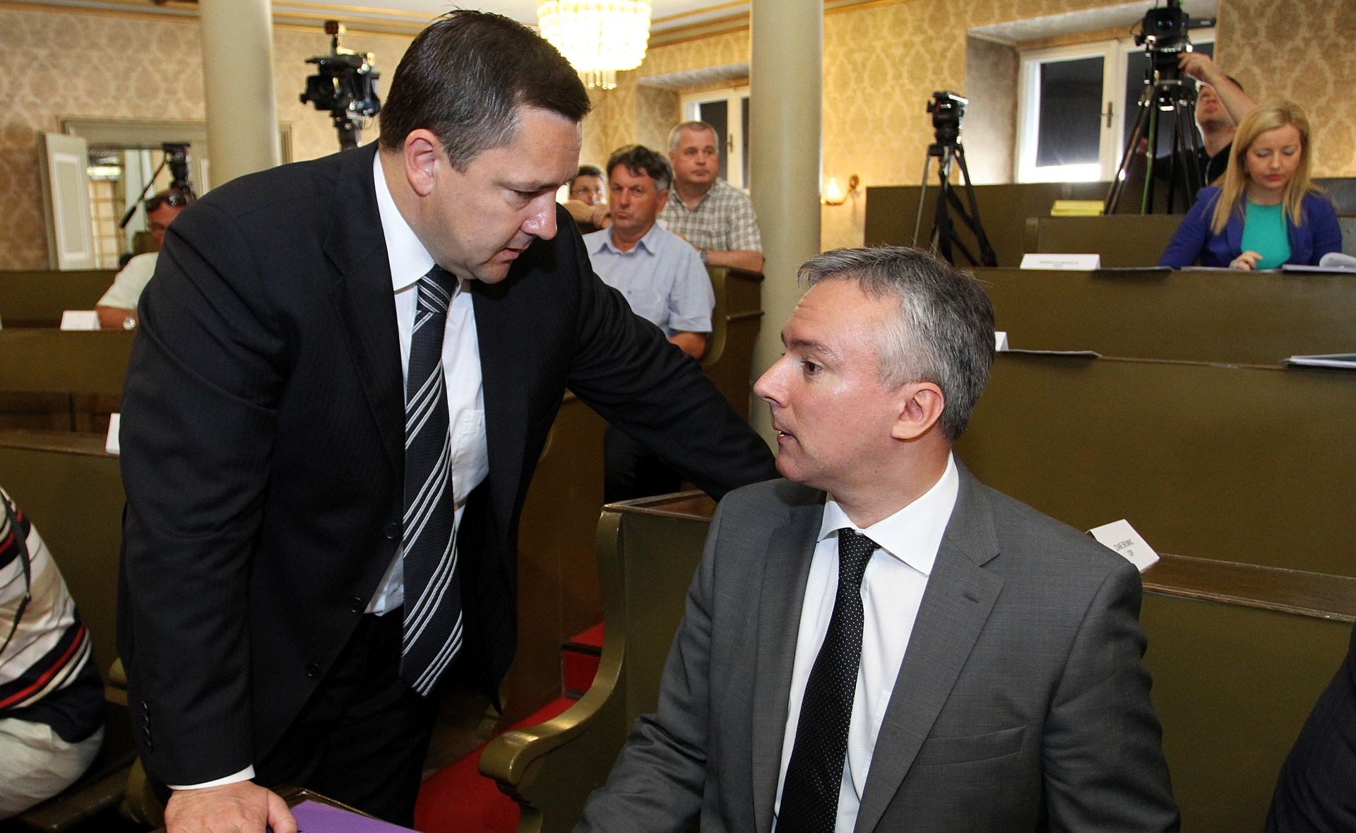 Darinko Kosor brani Andriju Mikulića