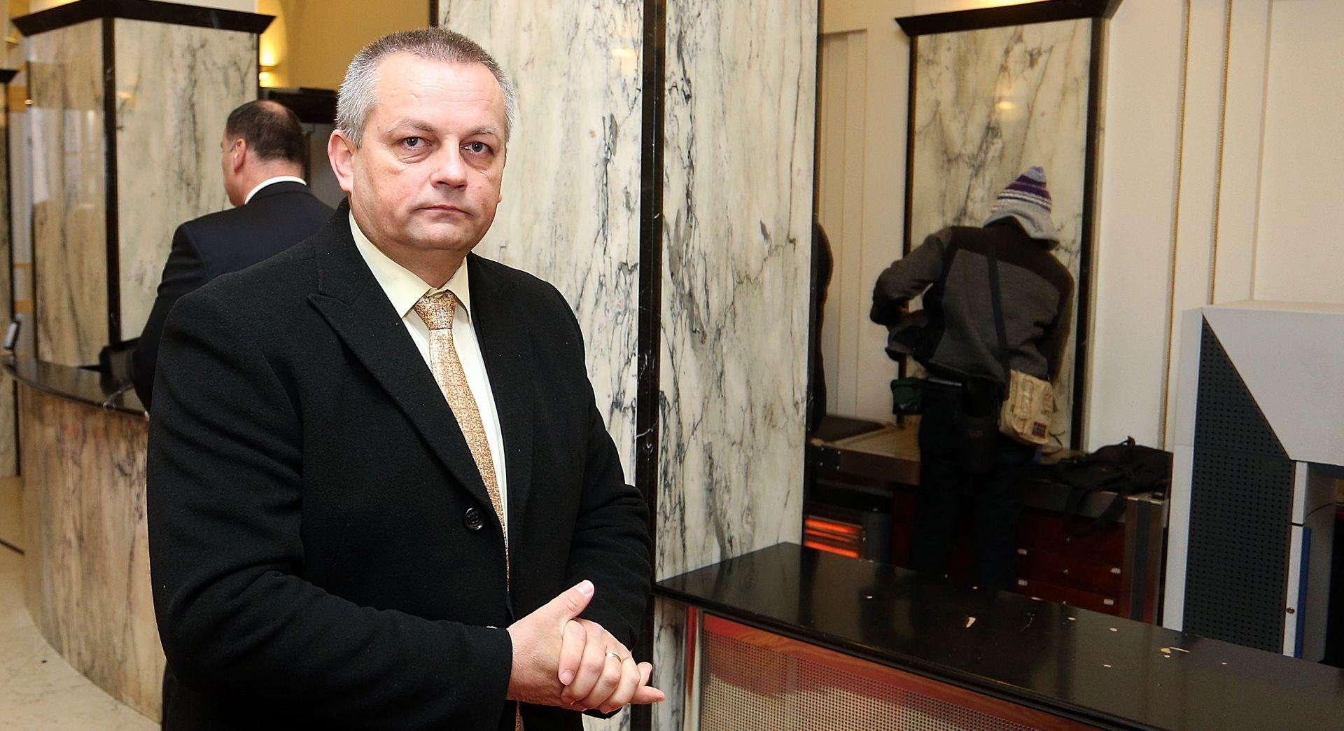 """NOVI MINISTAR BRANITELJA NE ODUSTAJE Crnoja: """"Objavit ćemo mi sve registre"""""""