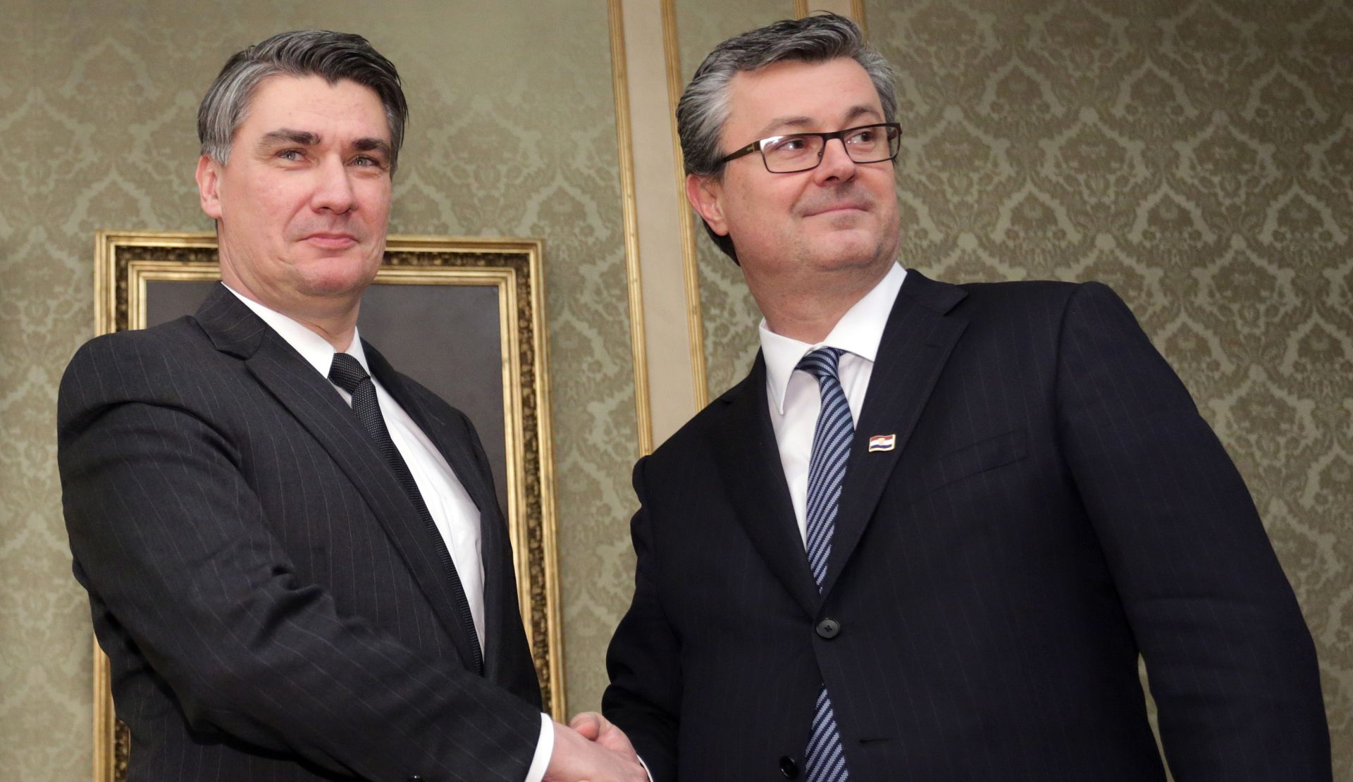 BANSKI DVORI Milanović predao vlast Oreškoviću