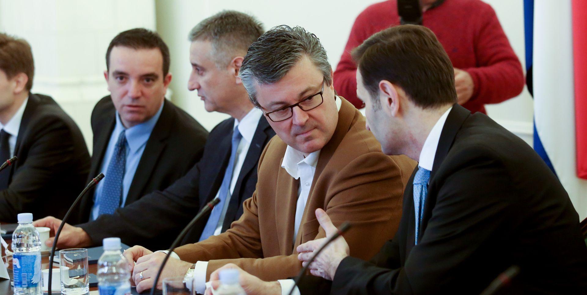 Oreškovićeva Vlada u četvrtak održava prvu sjednicu