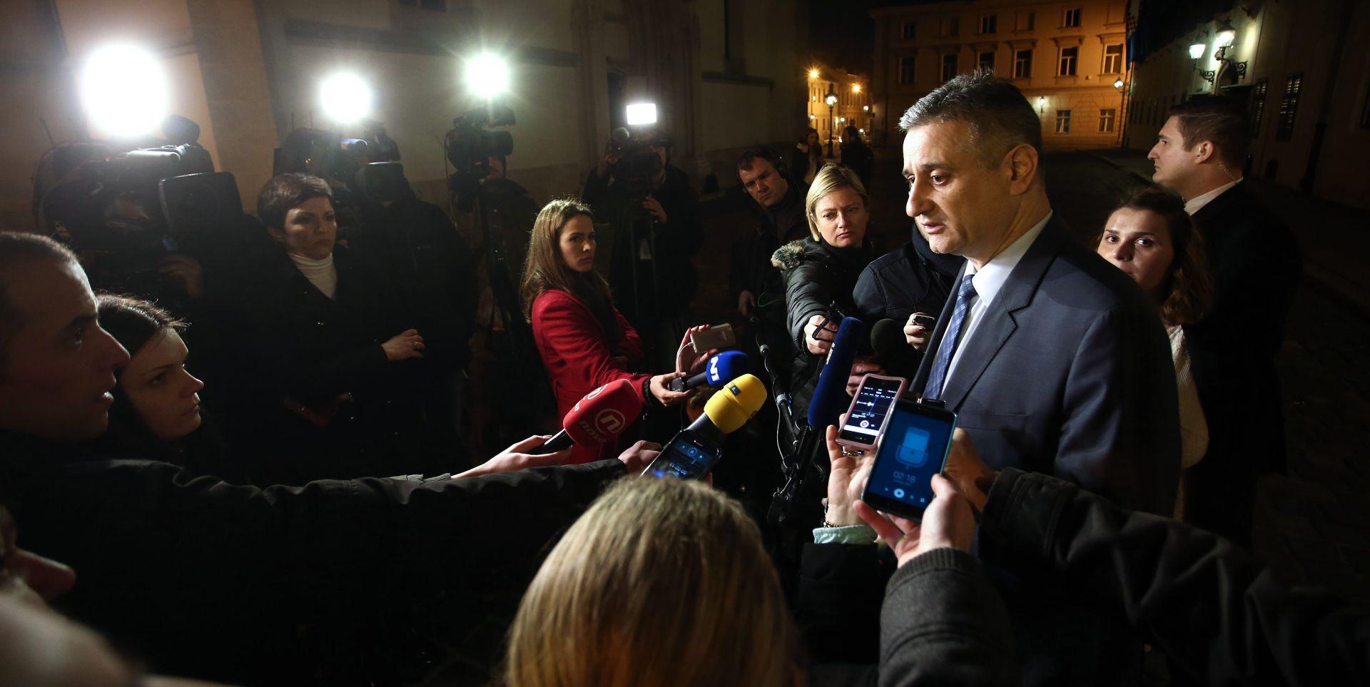 Tomislav Karamarko ispred Vlade obratio se medijima. Photo: Sanjin Strukic/PIXSELL