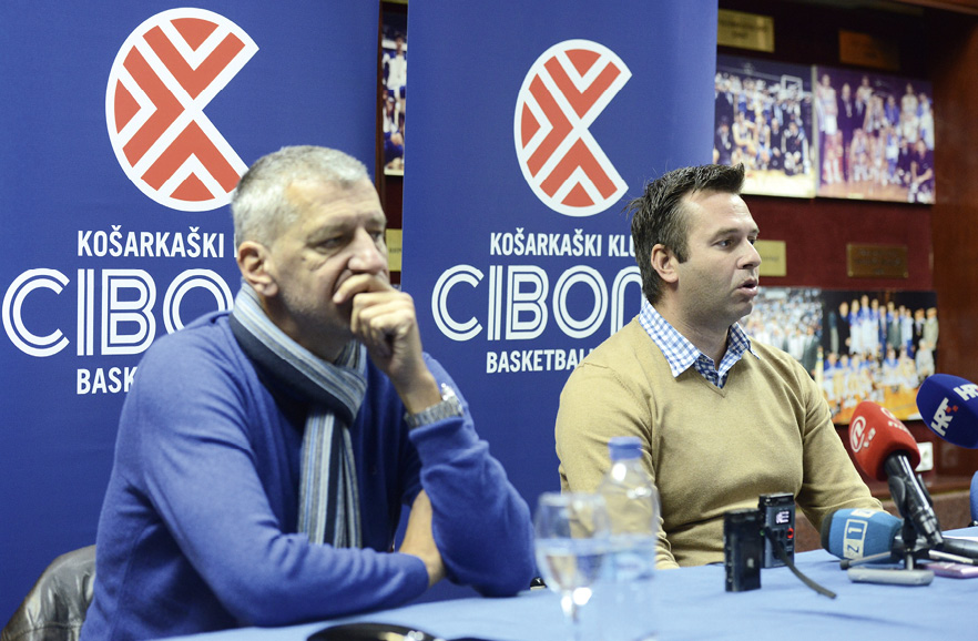 Čelni ljudi Cibone, izvršni dopredsjednik Aleksandar Petrović i direktor Domagoj Čavlović. FOTO: Marko Lukunic/PIXSELL