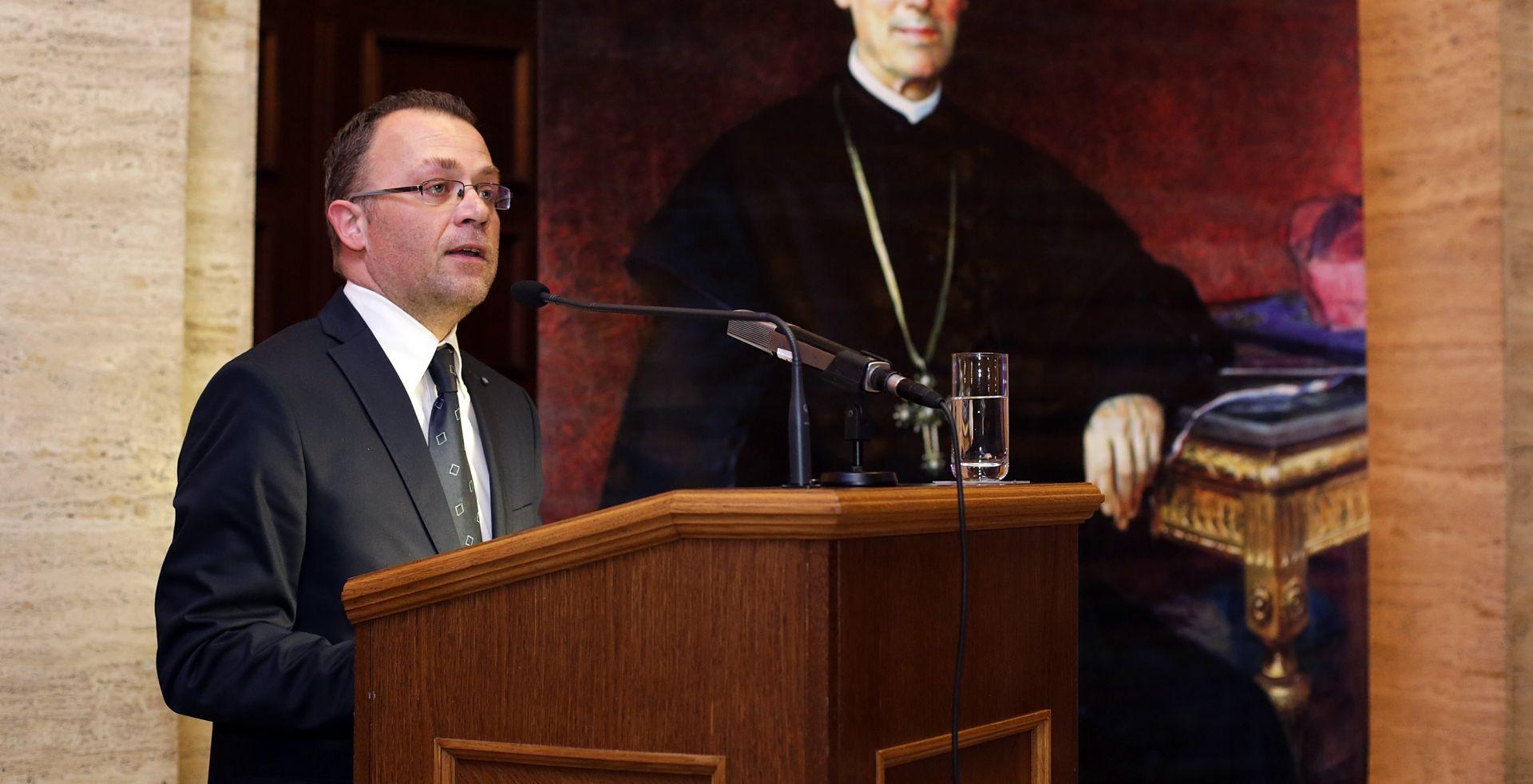 Hasanbegović: Vlada i Ministarstvo će kreirati novi pristup potpore tzv. neprofitnim medijima