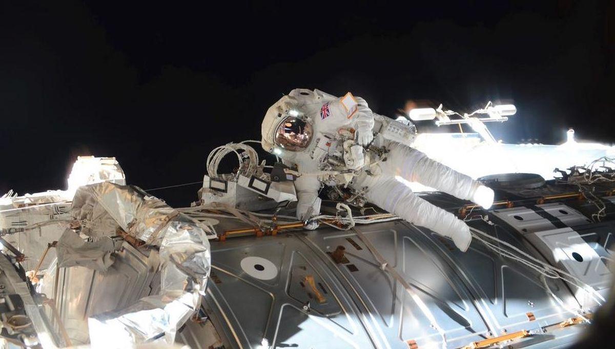 FOTO: SELFIE IZ SVEMIRA Britanski astronaut oduševljen 'šetnjom'