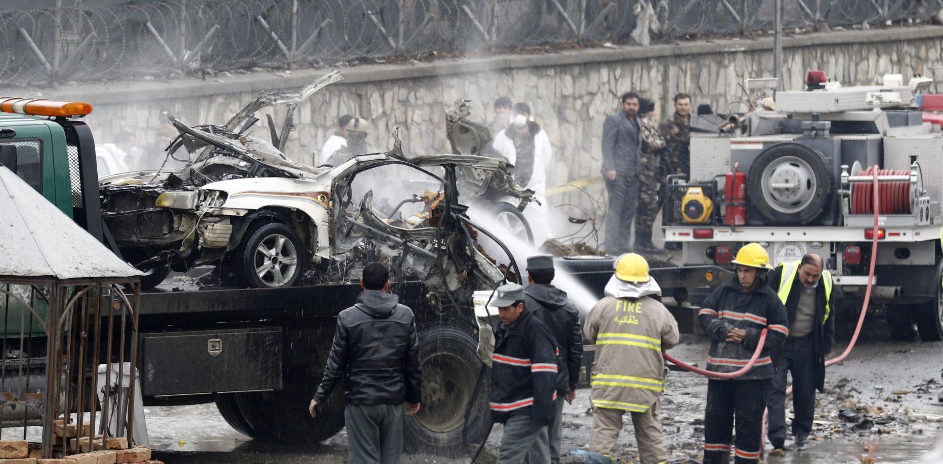 EKSPLOZIJA AUTOBOMBE: Najmanje četvero mrtvih u napadu u Kabulu, broj ranjenih se popeo na 28