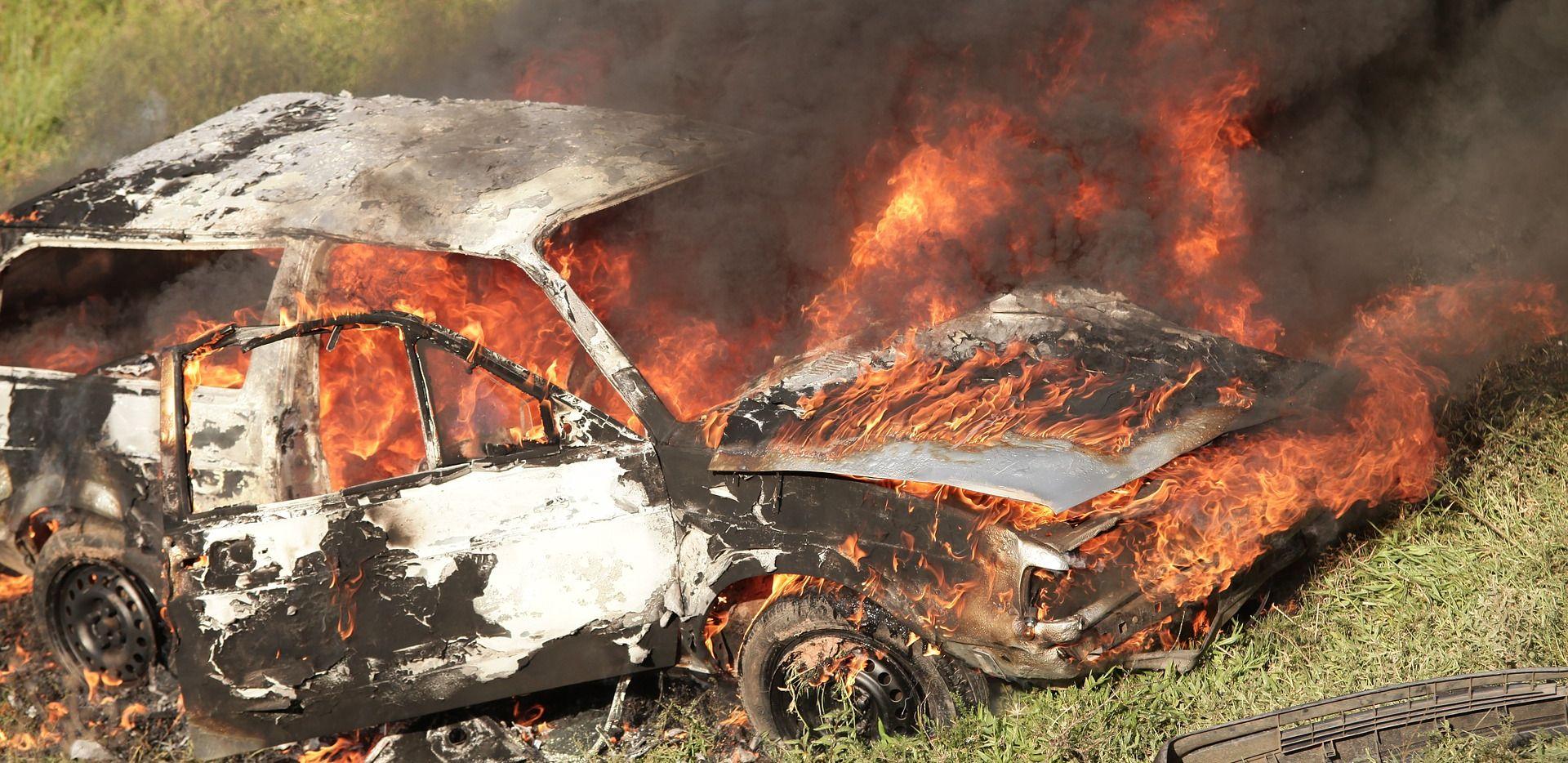 FRANCUSKA Više od 800 automobila zapaljeno na Badnjak