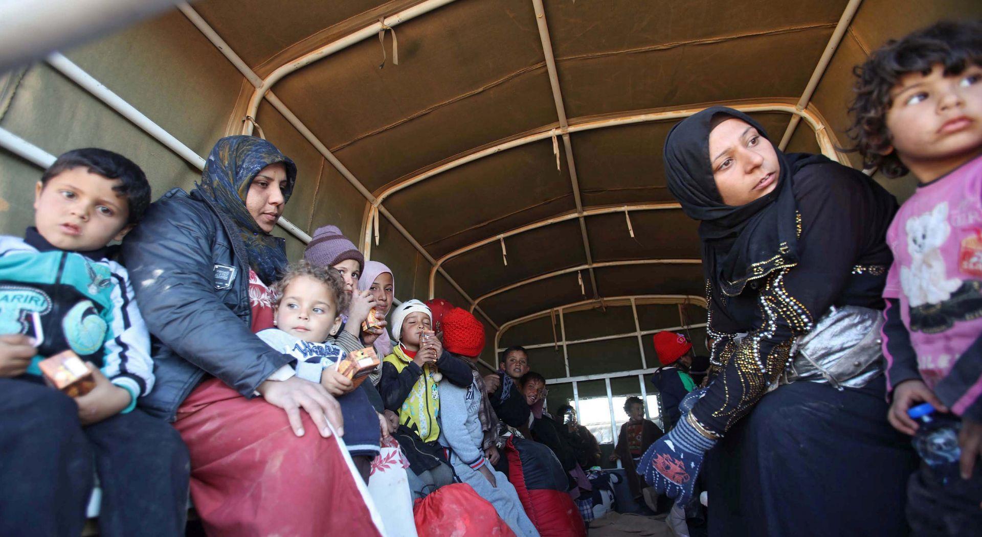 NAKON DOGOVORA: Prognane obitelji se vraćaju na jug Damaska