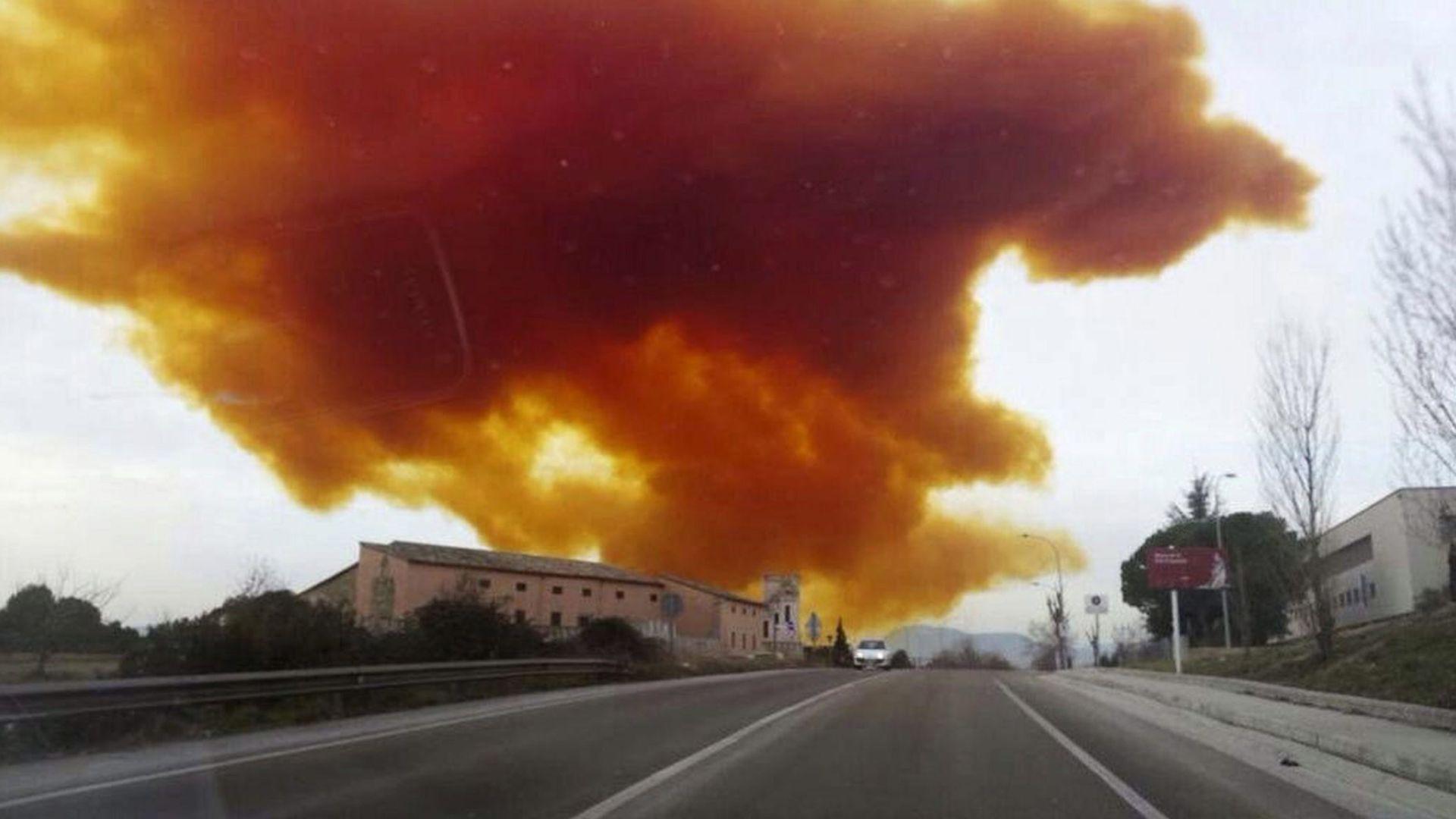 KIŠA IZAZIVA OPEKLINE Oblak toksičnog plina nad brazilskog lukom Santos nakon kemijske eksplozije