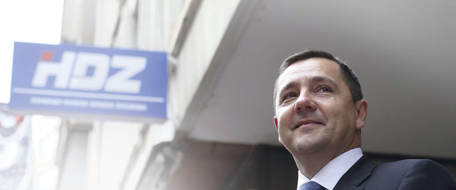 U ratu protiv Brkića Mikulića optužuju za sukob interesa
