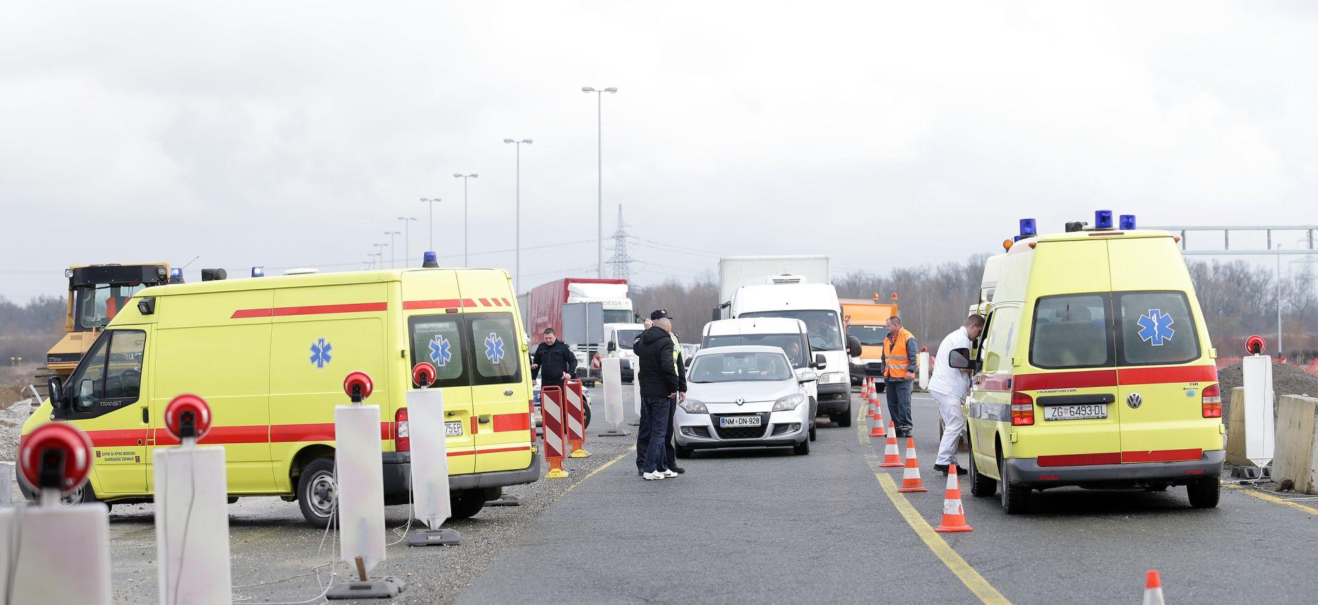 PROMETNA NESREĆA KOD TUNELA SVETI ROK: Kamion naletio na automobil, jedna osoba poginula