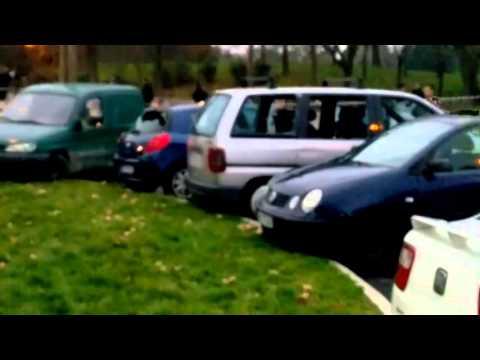 VIDEO: DRAMA U FRANCUSKOJ Autom se pokušao zabiti u vojnike koji su čuvali džamiju