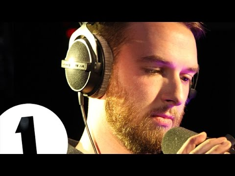 VIDEO: Radio 1 Piano Sessions predstavlja HONNE