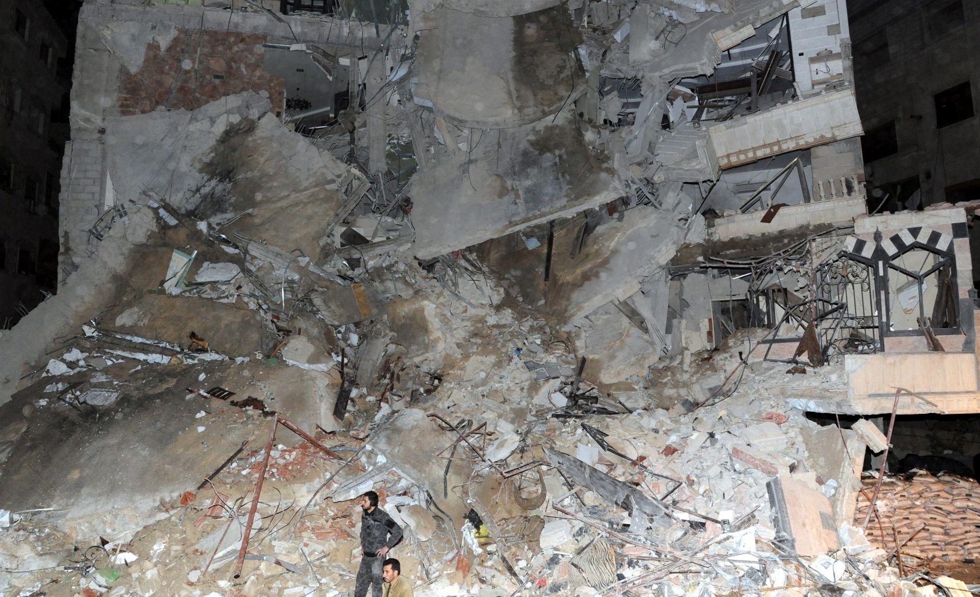 NAPAD NA SIRIJSKI GRAD MARET AL-NUMAN: Broj ubijenih popeo se na 57
