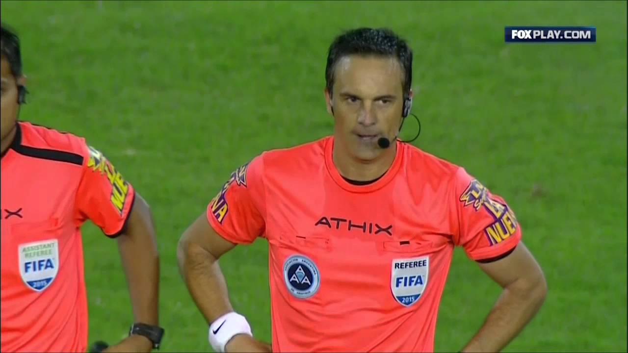 VIDEO: 'NE-PRIJATELJSKA UTAKMICA' Sraz Boce Juniorsa i Rivert Platea završio sa pet crvenih kartona