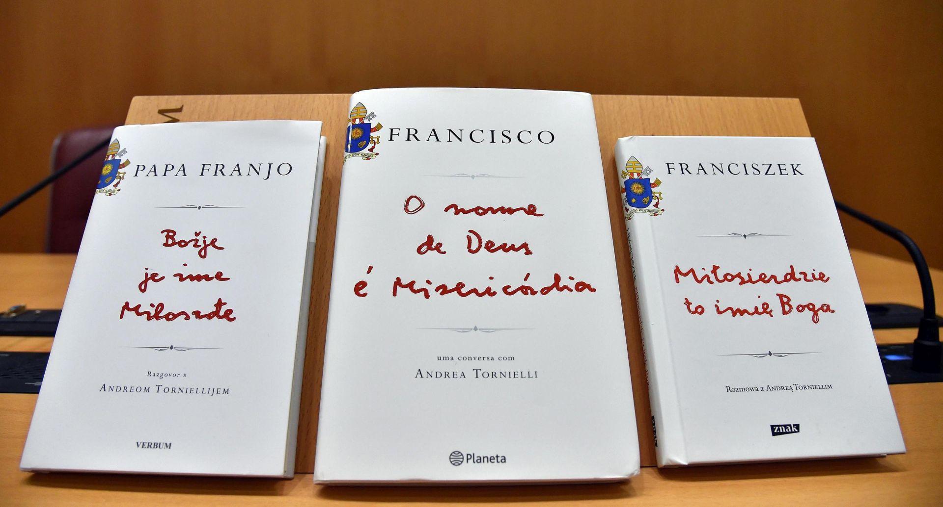 PUŠTENA U PRODAJU: Papa Franjo u prvoj knjizi odgovara na niz pitanja, naglasak na milosrđu
