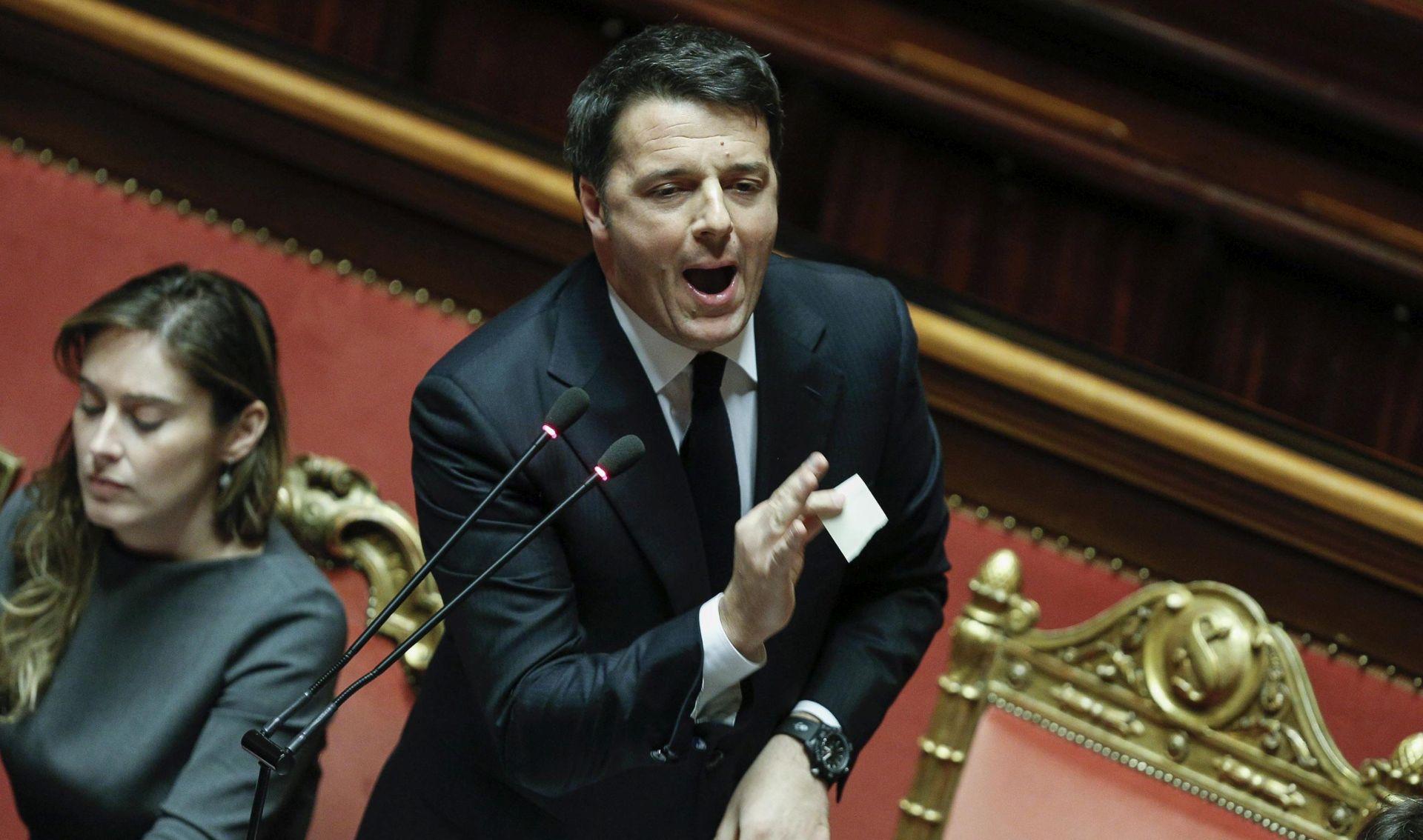 Renzi: Neprihvatljivo je da Njemačka i Francuska dogovaraju rješavanje izbjegličke krize bez Italije