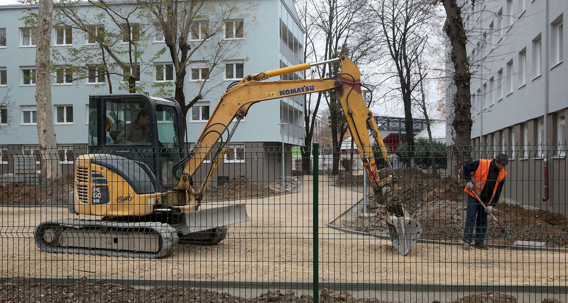 OBNOVA STUDENTSKIH DOMOVA: Studenti se počeli useljavati a dočekali ih radnici i gradilište