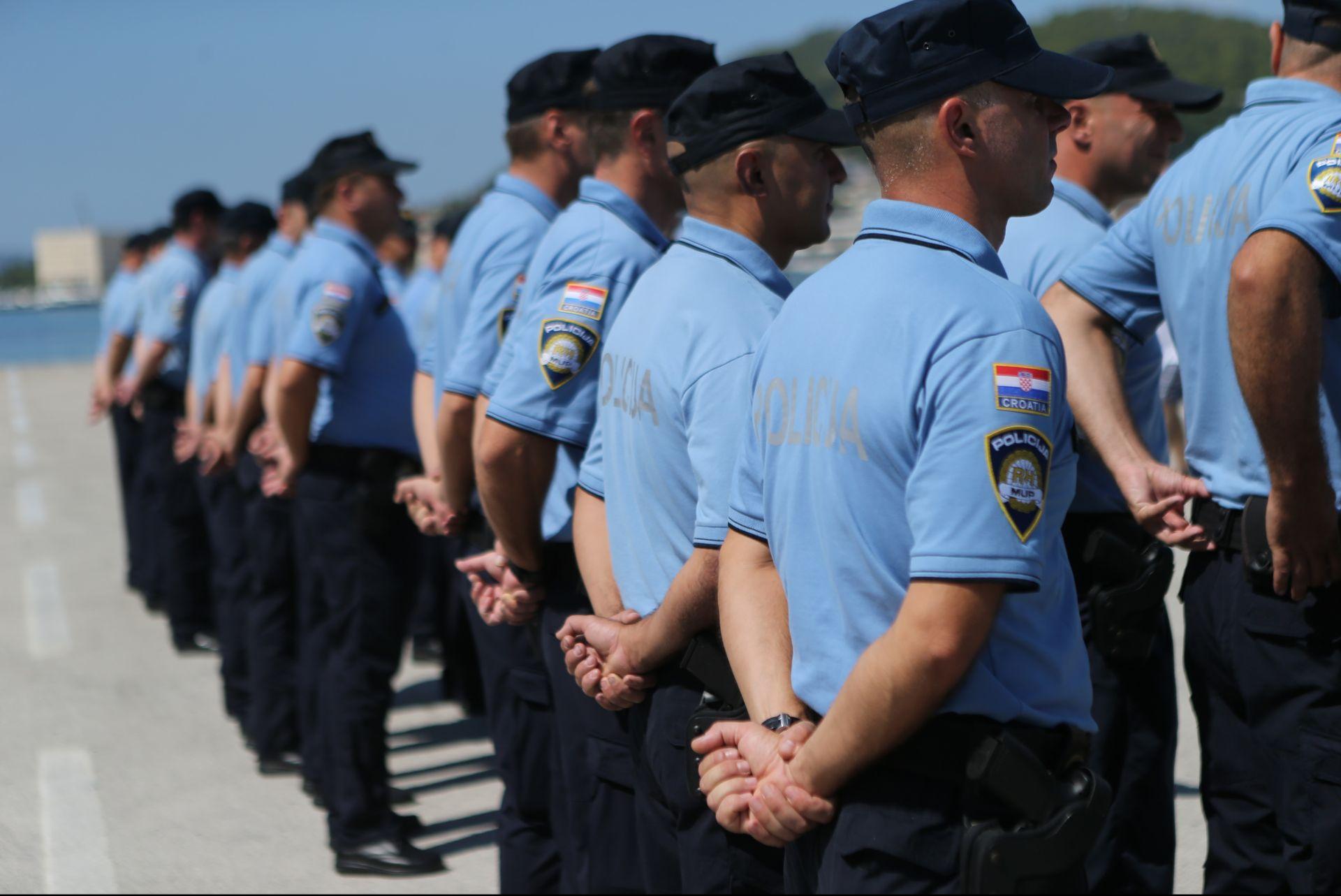 """INTERVENCIJA BRZI POSEJDON: Policijski brod """"Trsat"""" isplovio prema Grčkoj u operaciju Frontexa"""