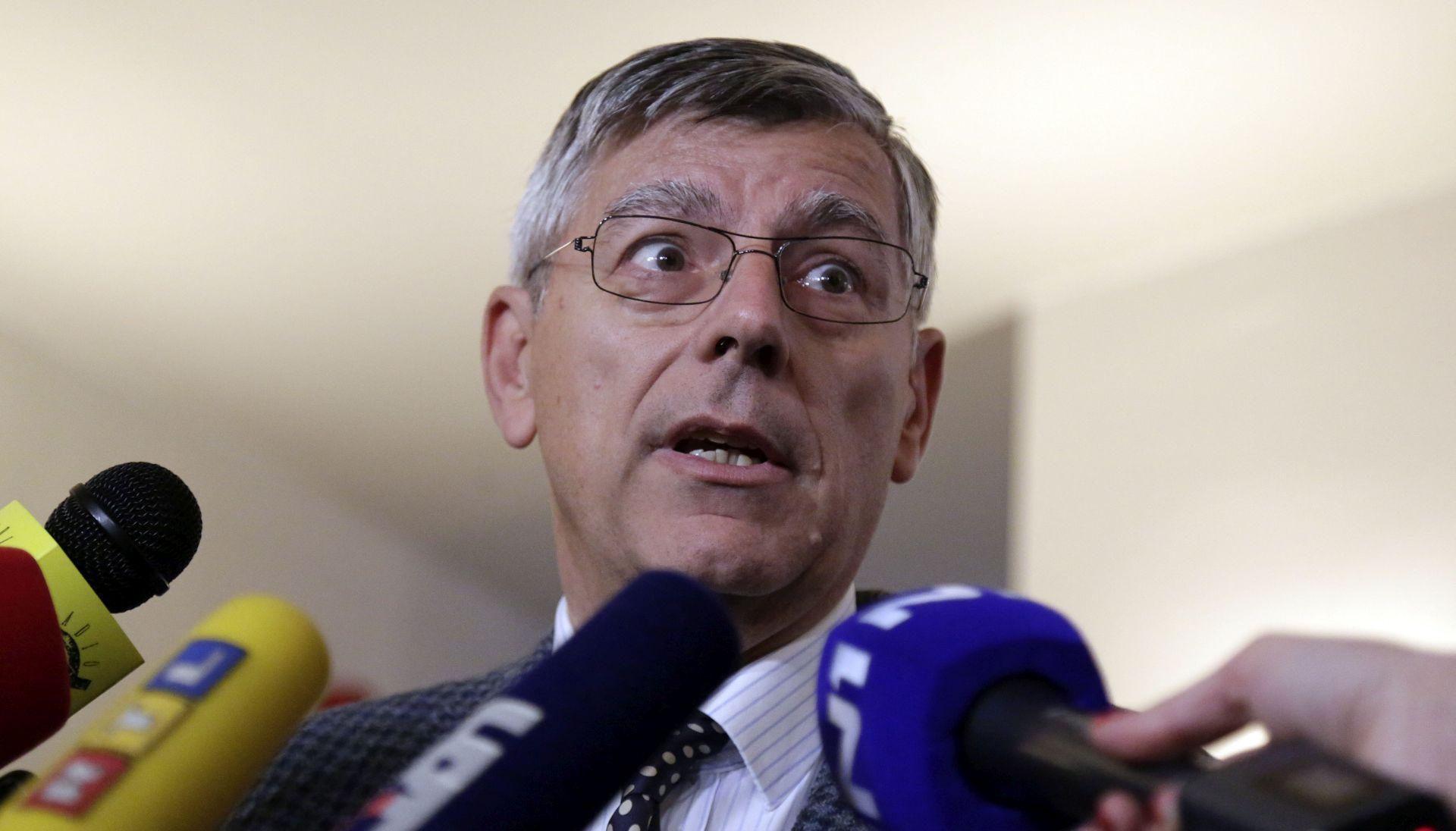 """VIDEO: REINEROV GAF """"Svakoga dana svjedočimo raznim aferama korupcije upravo sa strane HDZ-a. Pardon, SDP-a"""""""