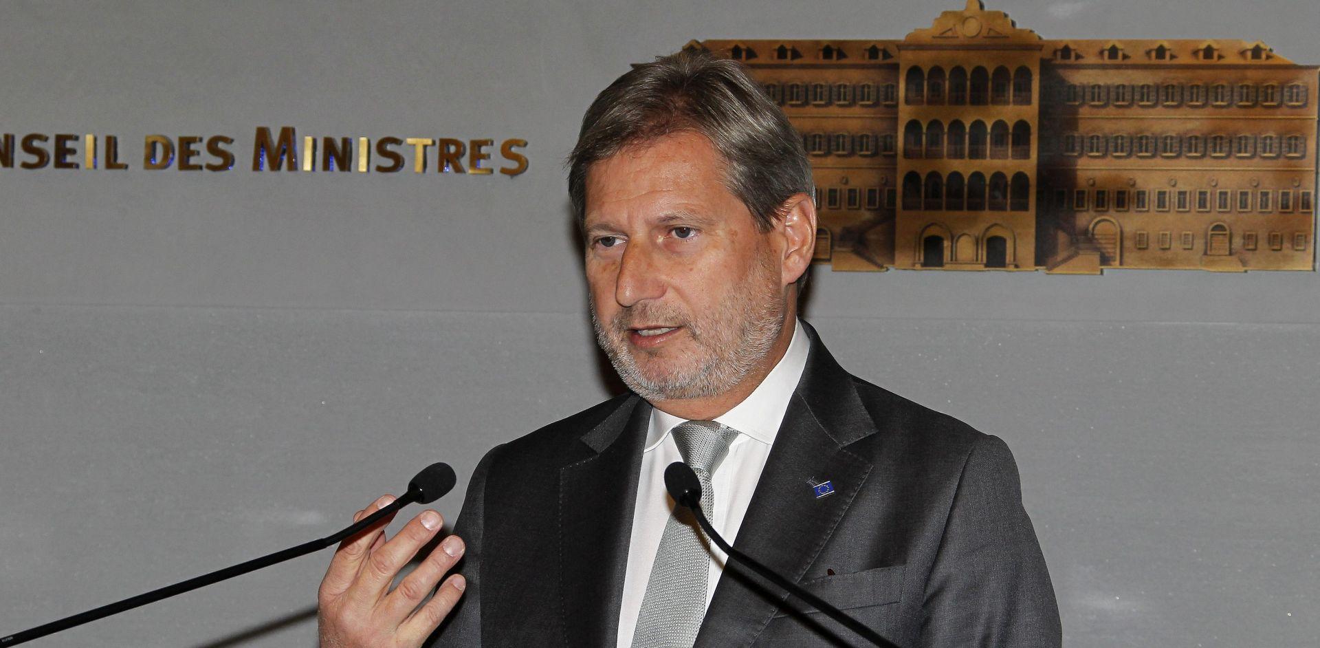 Hahn odgovorio Petir: Srbija mora osigurati medijske programe na manjinskim jezicima