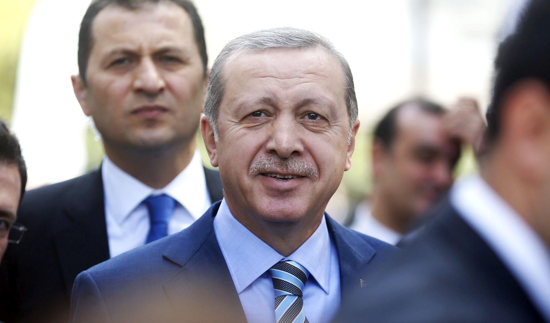 Erdogan: Turska spremna otvoriti granicu Sirijcima iz Alepa