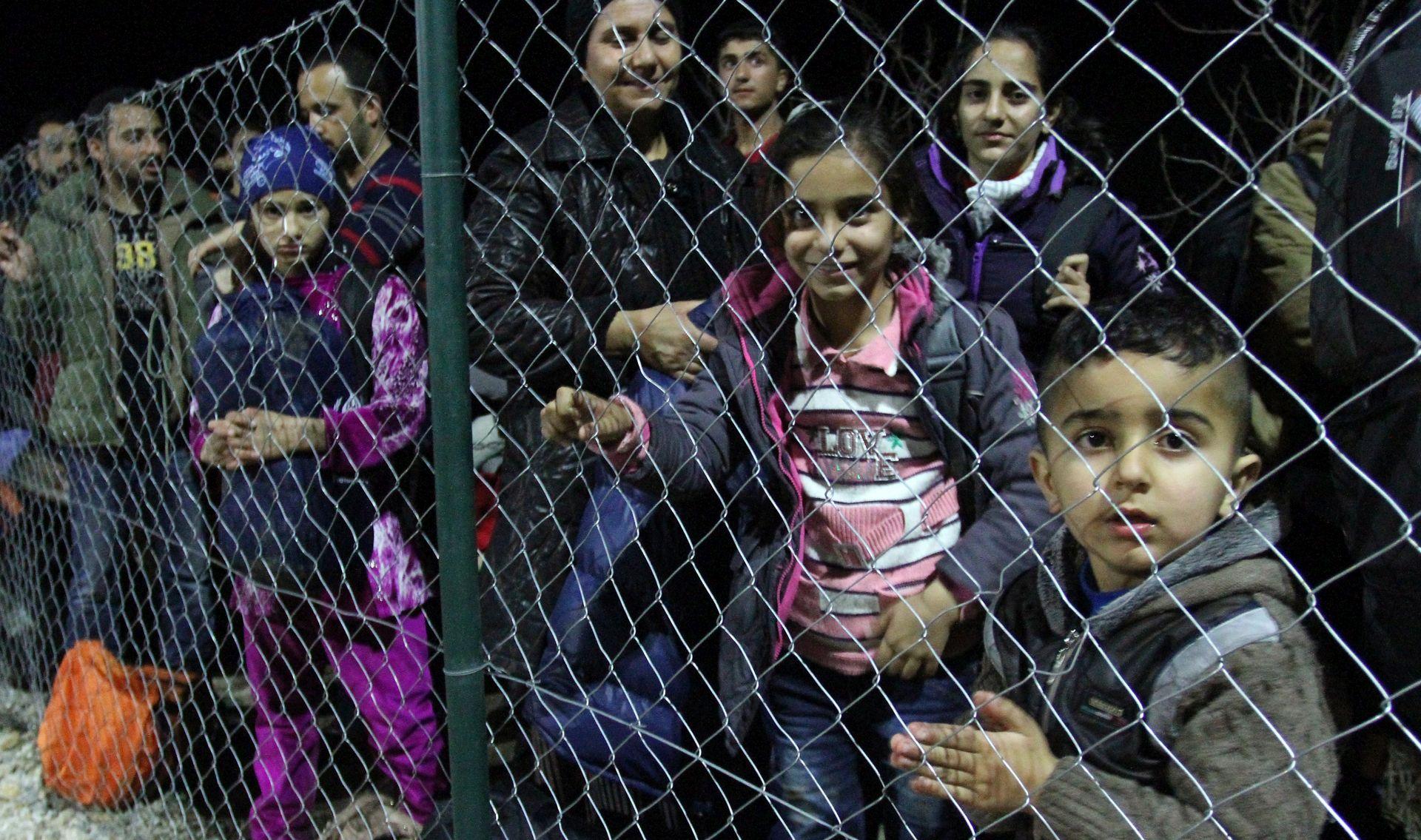 POLICIJSKI DUŽNOSNIK Granice Srbije nisu zatvorene