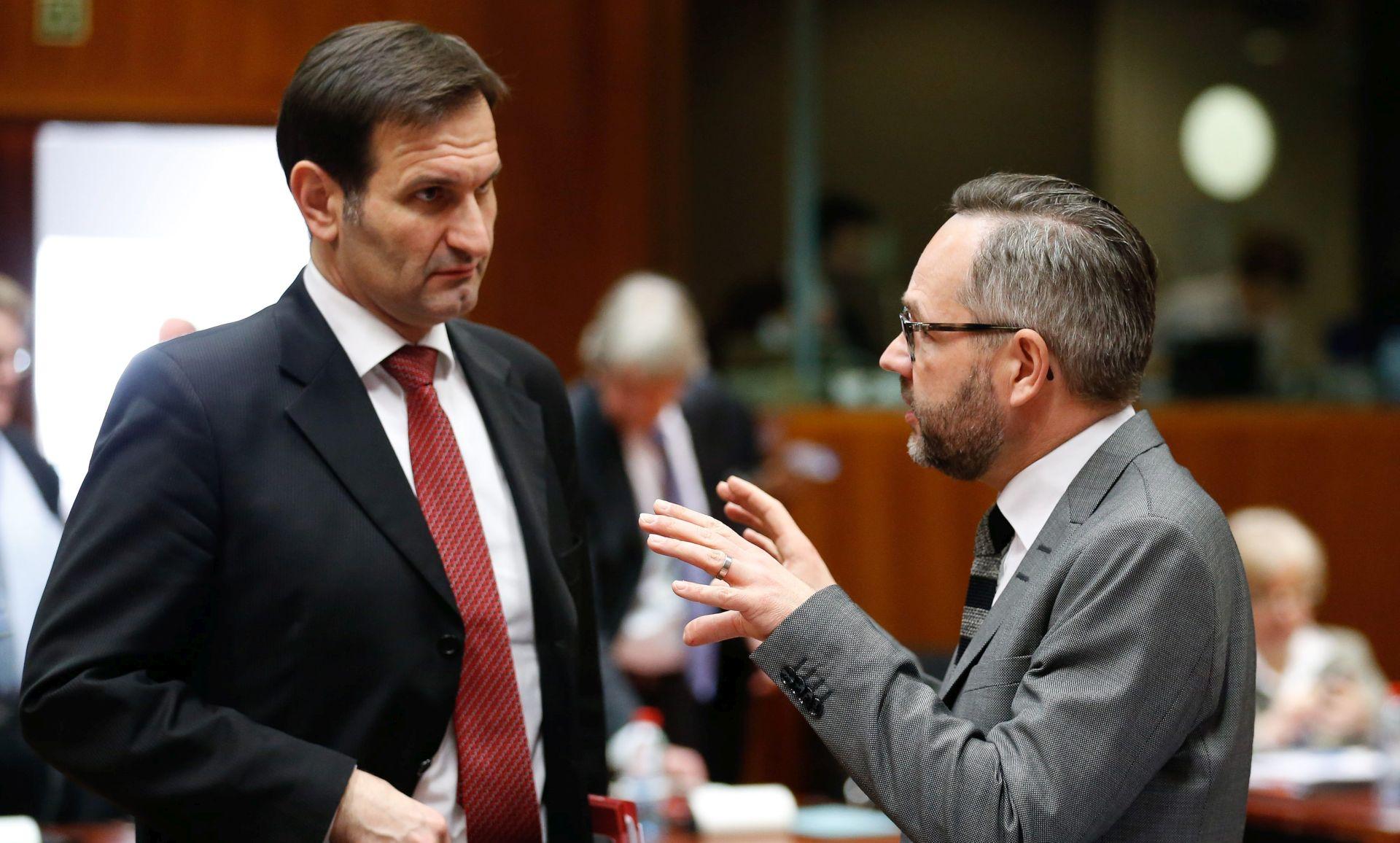 Kovač: Europska unija treba pronaći zajedničko rješenje za migrantsku krizu