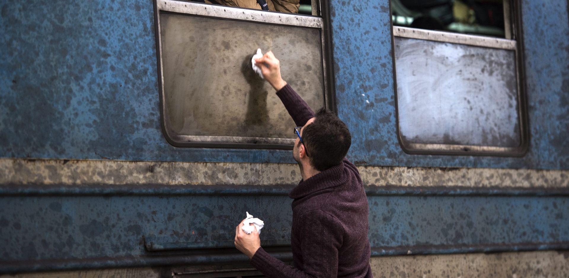 Mađarska zatvara željezničke prijelaze s Hrvatskom zbog migranata