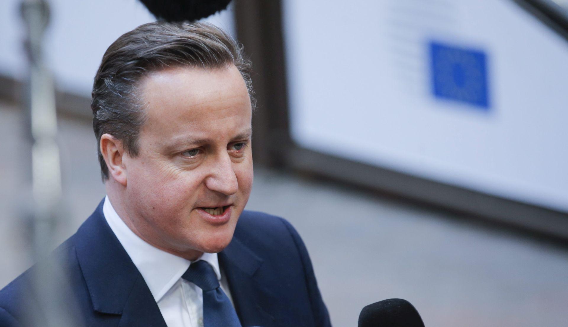 BURNO U VELIKOJ BRITANIJI Cameron upozorava na posljedice 'Brexita', funta pada