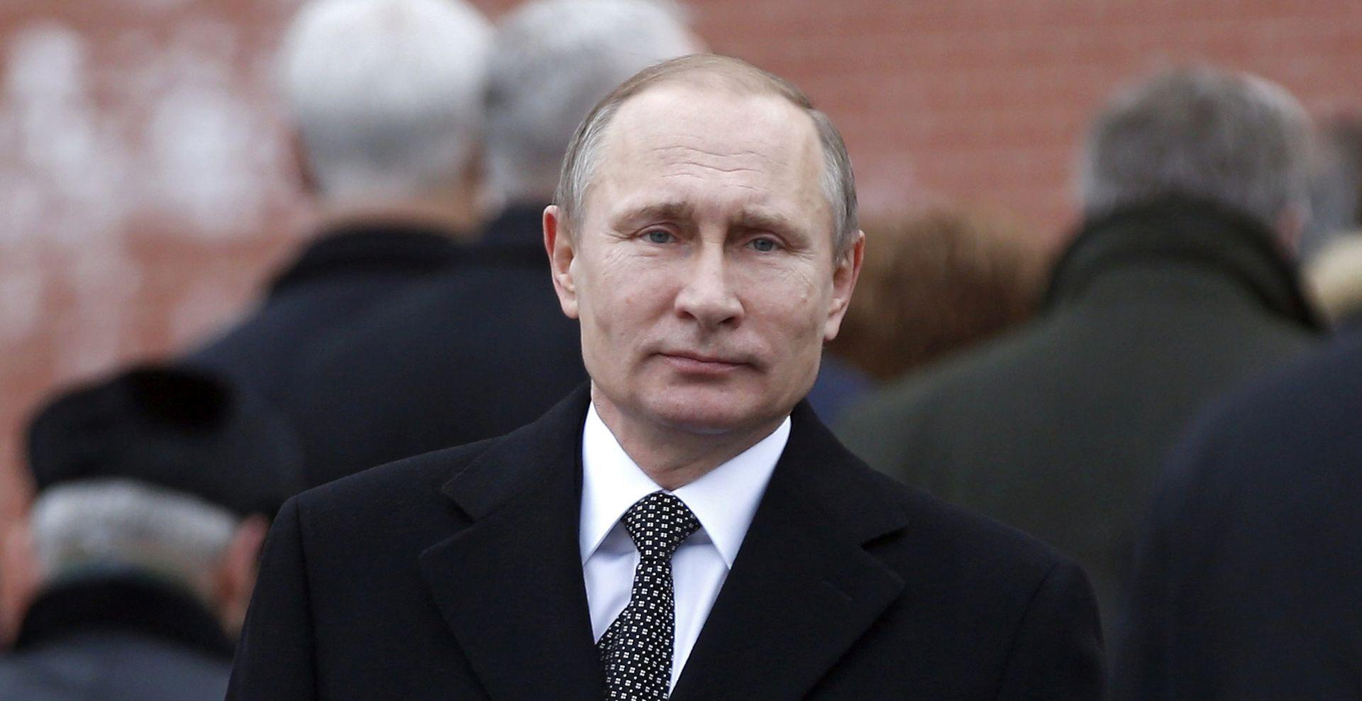 ANKETA YOUGOV Vladimiru Putinu divi se više ljudi nego papi Franji i Dalaj Lami