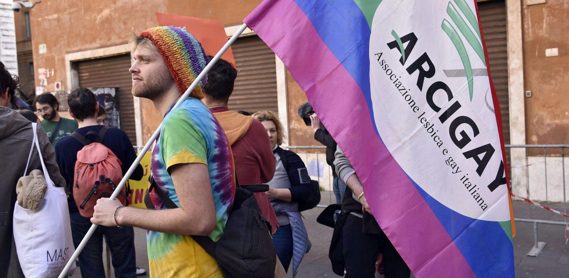 ITALIJA Parlament odobrio sklapanje civilne zajednice za istospolne parove