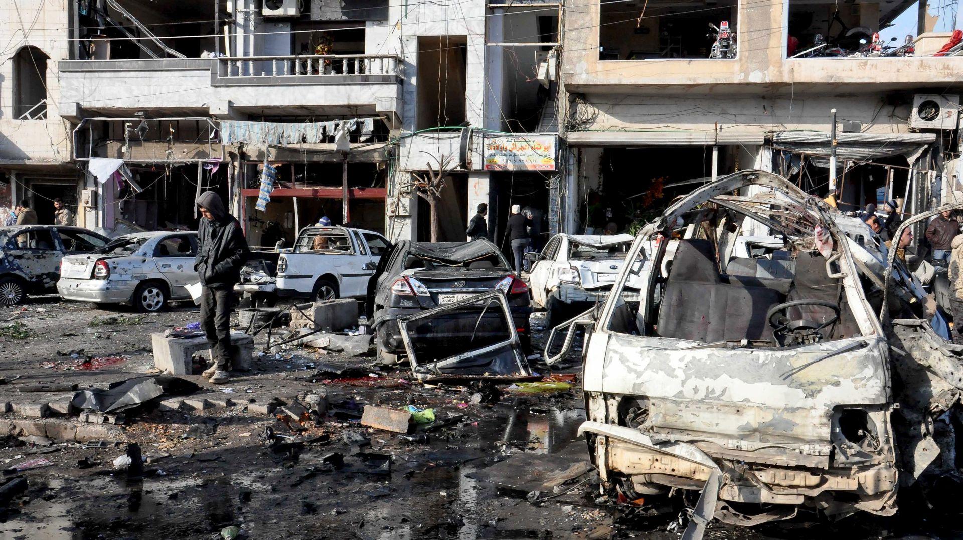 NAPADI AUTOBOMBOM: Najmanje 46 osoba poginulo u Homsu