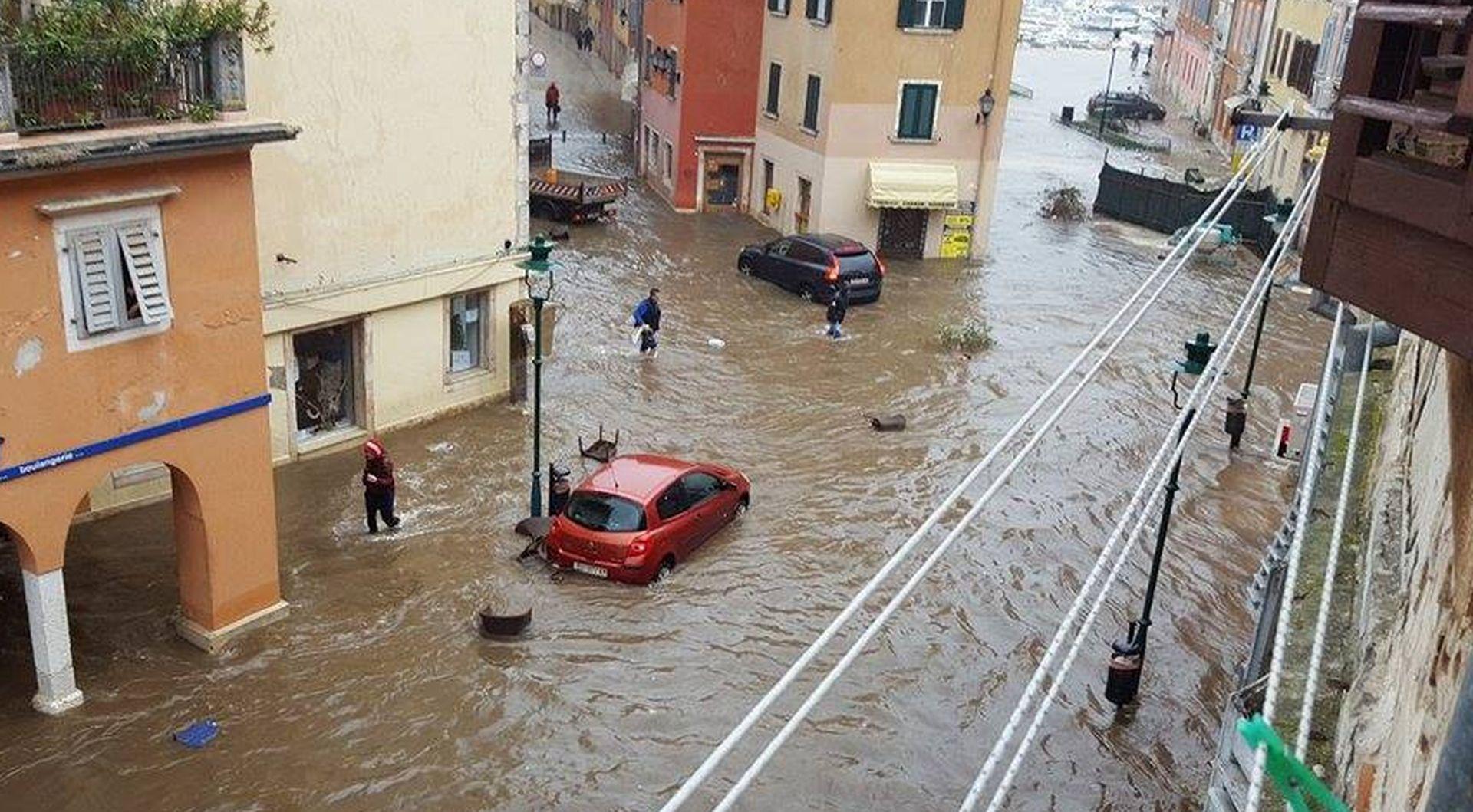 NEVRIJEME U ISTRI: Olujni vjetar i poplave izazvali velike štete