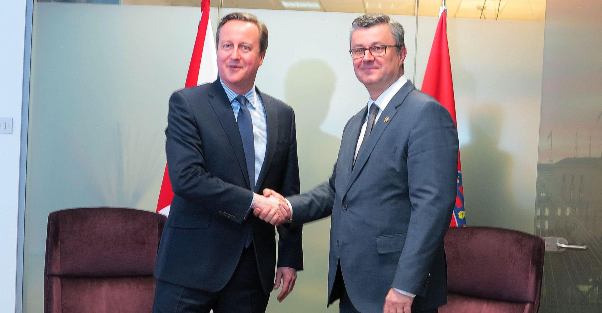PREMIJER OCIJENIO: Dogovor s Velikom Britanijom predstavlja veliki dan za EU