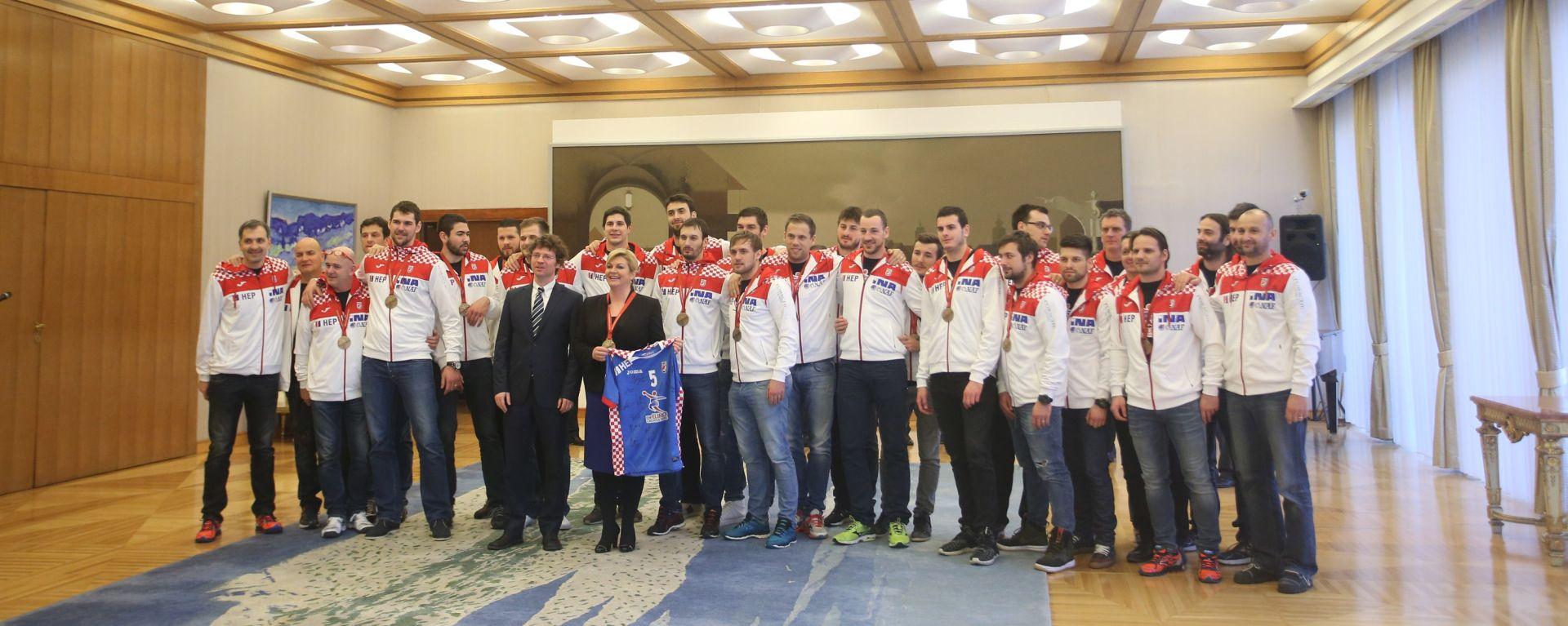 Predsjednica Grabar Kitarović primila brončane rukometaše