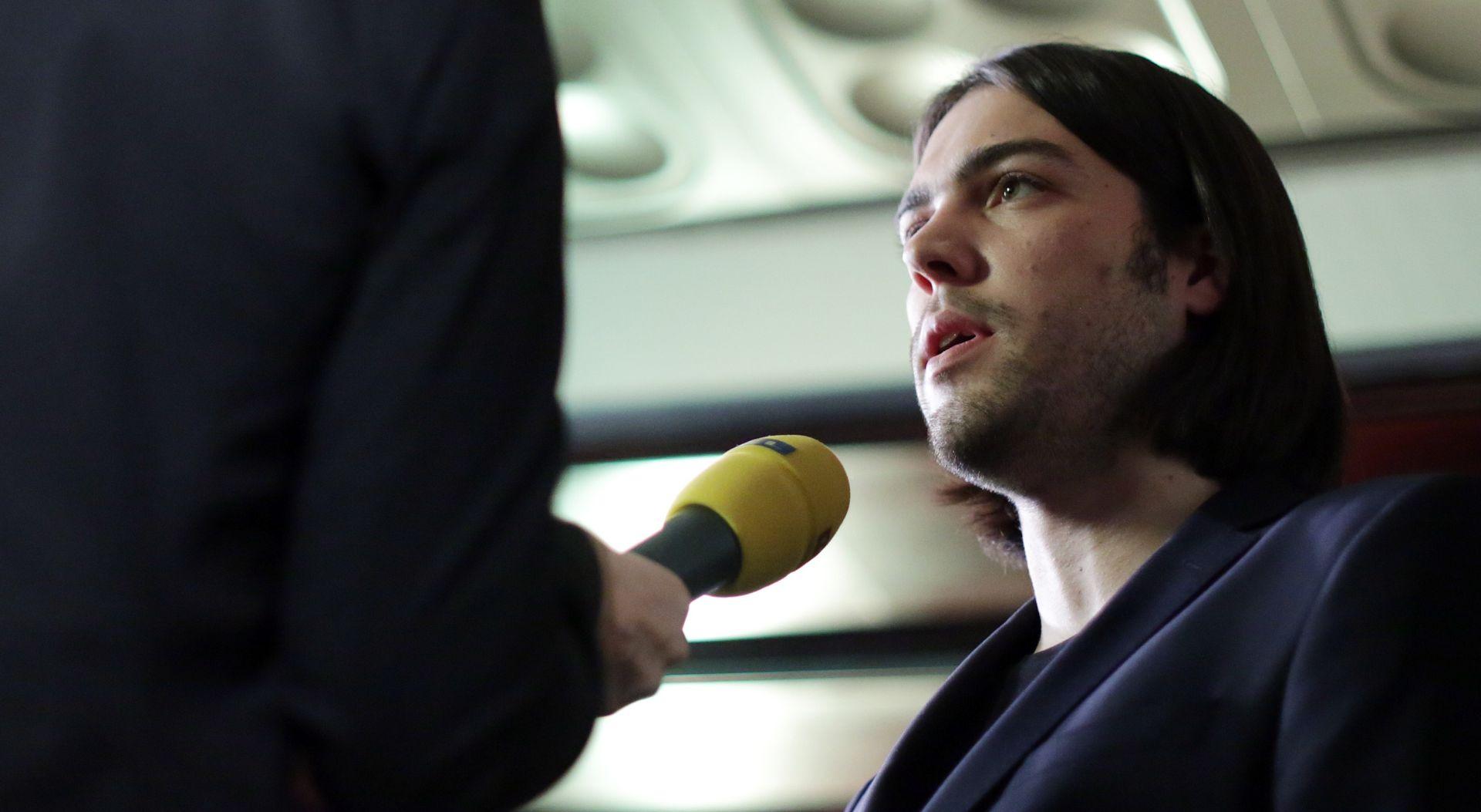 """IVAN VILIBOR SINČIĆ """"Nije istina da je iz stranke otišlo 200 ljudi. Radi se o nekoliko desetaka"""""""
